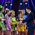 Louis Ducruet remet un Clown de Bronze à la Troupe Acrobatique dela Mongolie Intérieure pour un numéro de monocycles lors de la soirée de remise des prix du 42ème Festival International du Cirque de Monte Carlo le 23 janvier 2018. © Bruno Bebert/Bestimage