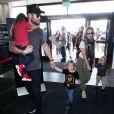 Chris Hemsworth, Elsa Pataky et leurs enfants Tristan, India Rose et Sasha Hemsworth à Los Angeles. Le 17 octobre 2017.