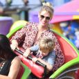 January Jones etson fils Xander à la fête foraine de Chili Cook-Off à Malibu. Le 3 septembre 2017.