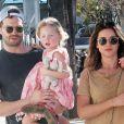 Jamie Dornan se balade avec sa femme Amelia Warner et ses enfants Elva et Dulcie dans les rues de Studio City, le 28 janvier 2018