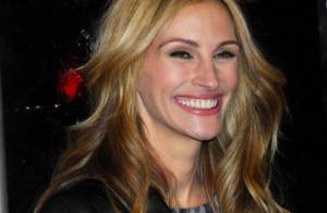 Quand la belle Julia Roberts embrasse sur la bouche... David Letterman en direct ! Regardez !