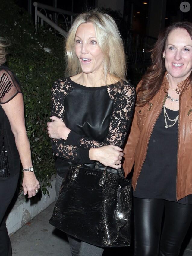 Heather Locklear, tres souriante, sort avec des amies a West Hollywood, le 22 novembre 2013.