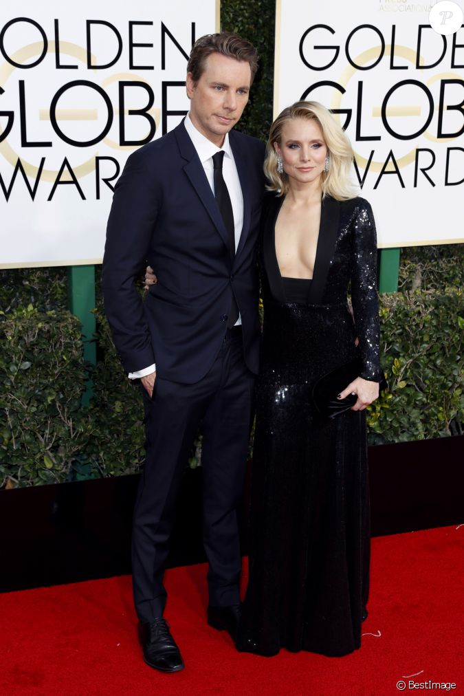 kristen bell et son mari dax shepard la 74 me c r monie annuelle des golden globe awards. Black Bedroom Furniture Sets. Home Design Ideas