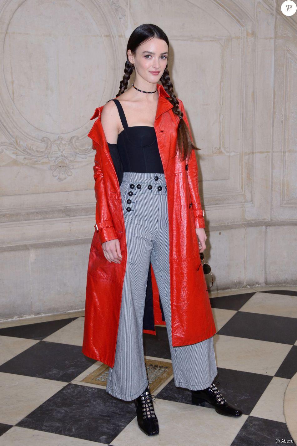 Charlotte Le Bon assiste au défilé Christian Dior au Musée Rodin, habillée en Christian Dior. Paris, le 27 février 2018.