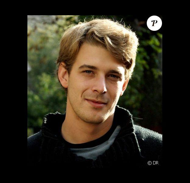 Photo de l'acteur Antoine du Merle, connu pour avoir joué le rôle de Michaël dans Les Trois Frères
