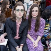 Fashion Week : Keira Knightley, amoureuse, applaudit Kaia Gerber