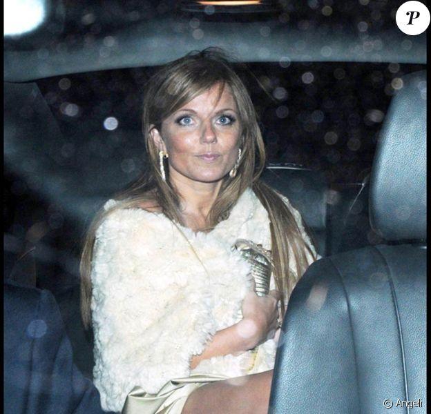 Geri Halliwell, à la sortie du Bar Tini, à Londres, le 23 mars 2009... Allez, un suppo et au lit !