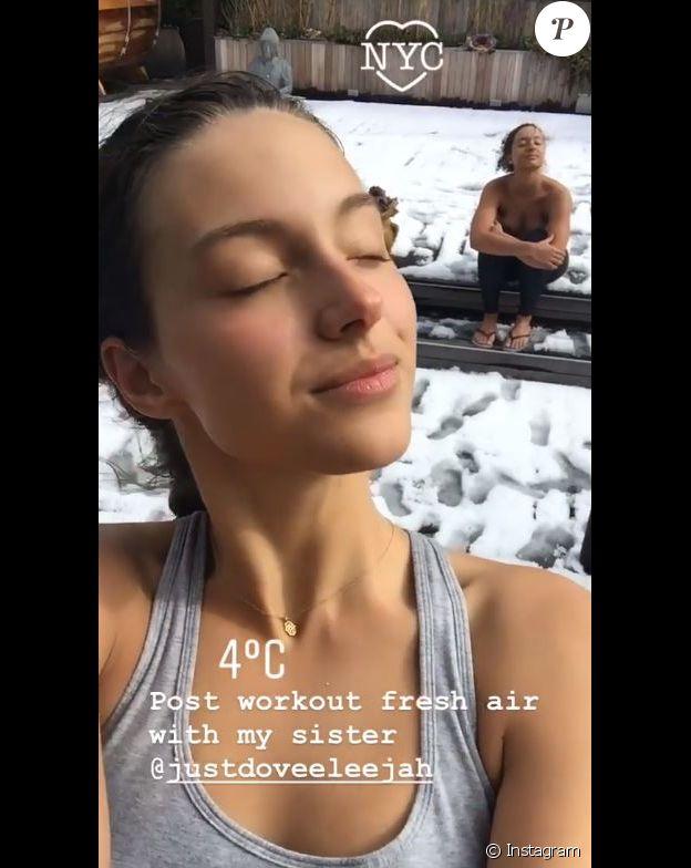Eleejah Noah topless à New York avec sa petite soeur Jenaye. Instagram, le 9 mars 2018.