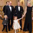 La princesse Charlene et les jumeaux le prince Jacques et la princesse Gabriella se sont joints au prince Albert II de Monaco et au prince Andrew mardi 7 novembre 2017 au palais lors du dîner de charité destiné à récolter des fonds pour l'association britannique Outward Bound, qui propose aux adolescents et aux jeunes adultes des activités de plein air afin de favoriser le développement personnel et le dépassement de soi. La branche monégasque d'Outward Bound est parrainée par le Prince Albert II et le Prince Andrew. © Eric Mathon et Gaetan Luci / Palais princier de Monaco