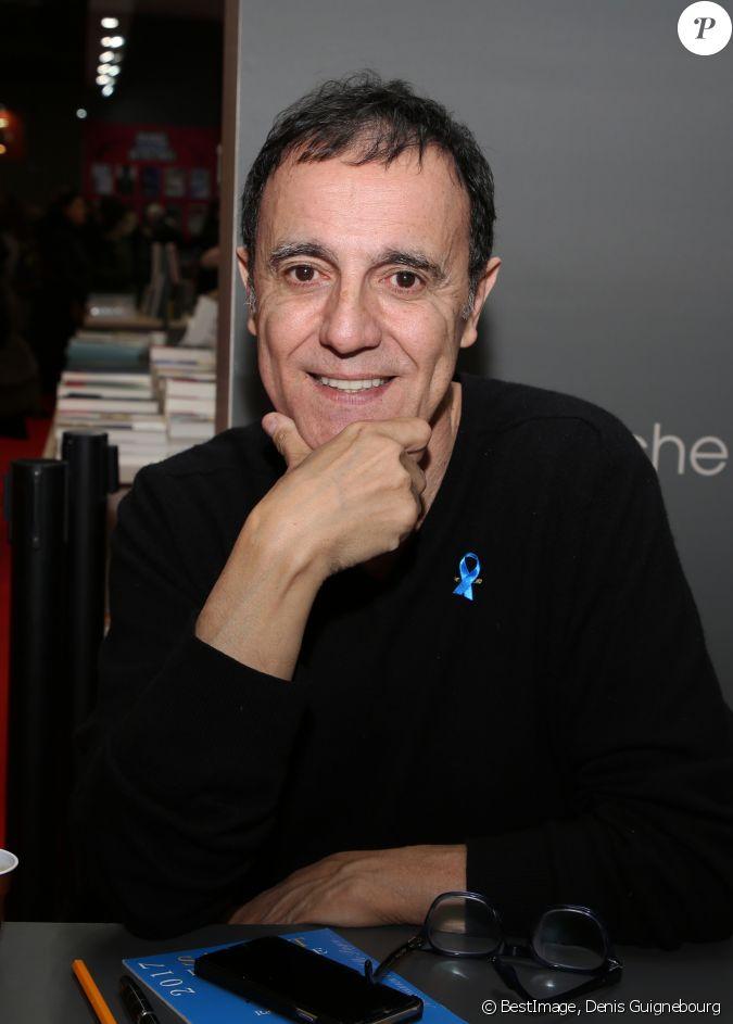 Thierry beccaro lors du salon du livre de paris le 17 mars for Salon du divorce