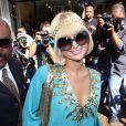 Paris Hilton, ses incontournables lunettes de mouche... et son sourire forcé ! 25/03/09