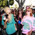 Kathy Griffin fait une démo de Franch Cancan, devant Paris Hilton ! 25/03/09
