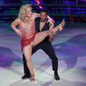 Anastacia les fesses à l'air : La chanteuse lâchée par sa robe en direct