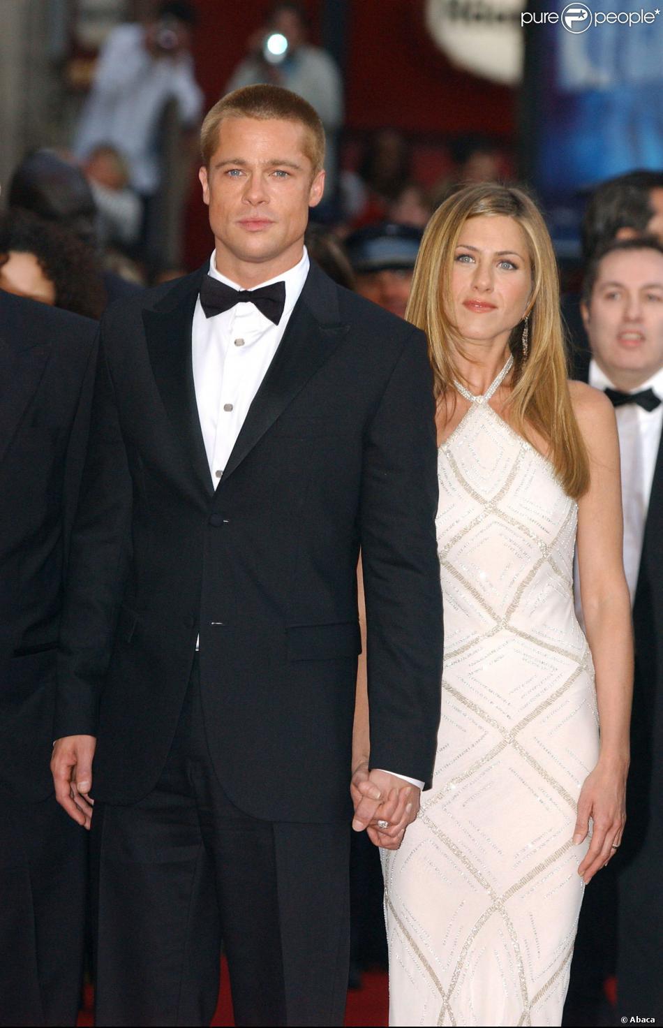 Brad Pitt et Jennifer Aniston lors de la présentation du film Troie à Cannes le 13 mai 2004