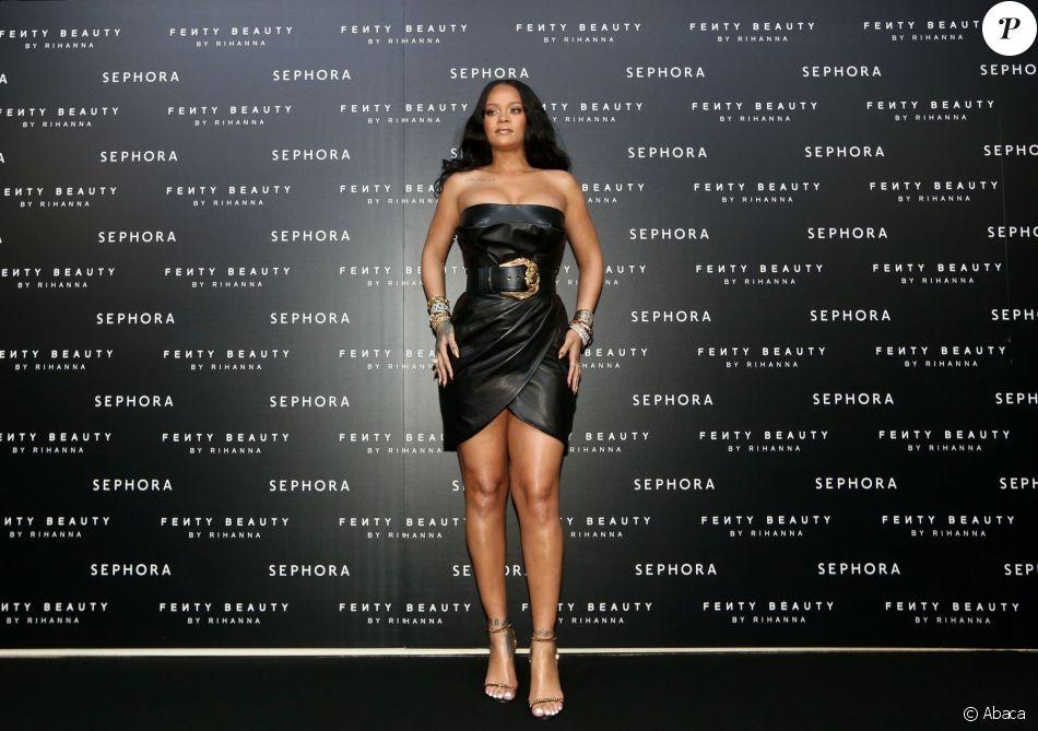 """Rihanna assiste au lancement de sa marque de maquillage """"Fenty by Rihanna"""" à Milan, le 5 avril 2018."""