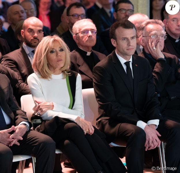 Le président de la République française Emmanuel Macron et sa femme la première dame Brigitte Macron (Trogneux) - Conférence des évêques de France (CEF) au collège des Bernardins à Paris, France, le 9 avril 2018. © Jacques Witt/Pool/Bestimage