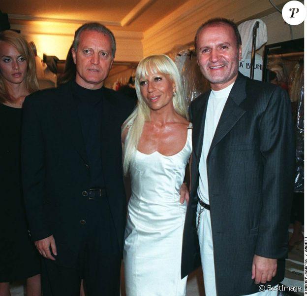 Carlos, Donatella et Gianni Versace à Paris. Juillet 1995.