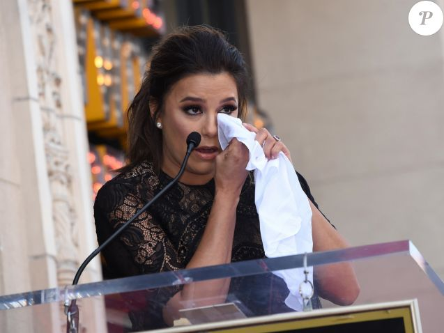 Eva Longoria, enceinte, reçoit son étoile sur le Walk Of Fame à Hollywood, le 16 avril 2018