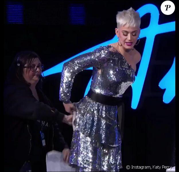 Katy Perry, victime d'une faille vestimentaire dans l'émission American Idol. Avril 2018.