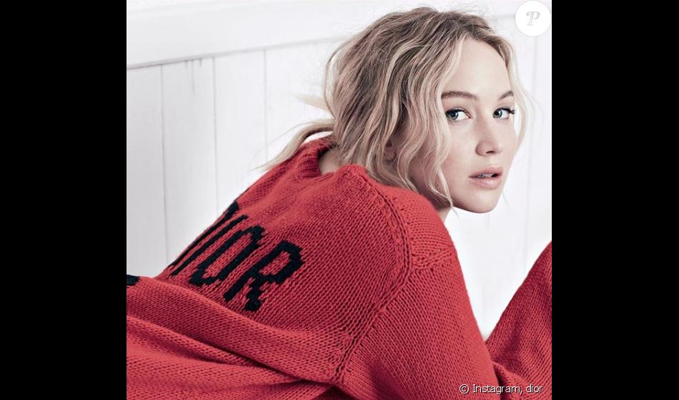 Jennifer Lawrence retrouve la maison Dior le temps d une campagne estivale  pour la collection c8fbe43fa46