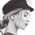 Jennifer Lawrence pose pour la nouvelle campagne estivale de Dior.