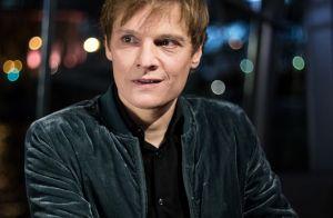 """Bénabar, bientôt 49 ans : """"Une teinture de cheveux"""" contre le temps qui passe"""