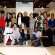 """Brigitte Macron pose avec les artistes Stephanie Mercedes, Antonius Bu, Georgia Saxelby, Kiersten Oliver et guest - Brigitte Macron visite l'association artistique """"Halcyon Arts Lab"""" à Washington, le 25 avril 2018. © Dominique Jacovides/Bestimage"""