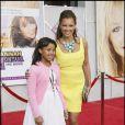 Vanessa Williams et sa fille pour l'avant-première d' Hannah Montana The Movie . Chez les Williams, vive les couleurs acidulées !