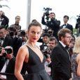 Irina Shayk (Sandales Salvatore Ferragamo) - Montée des marches du film « Yomeddine » lors du 71ème Festival International du Film de Cannes. Le 9 mai 2018 © Borde-Jacovides-Moreau/Bestimage
