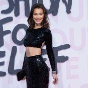 Bella Hadid et Carla Bruni réunies pour le défilé Fashion For Relief à Cannes