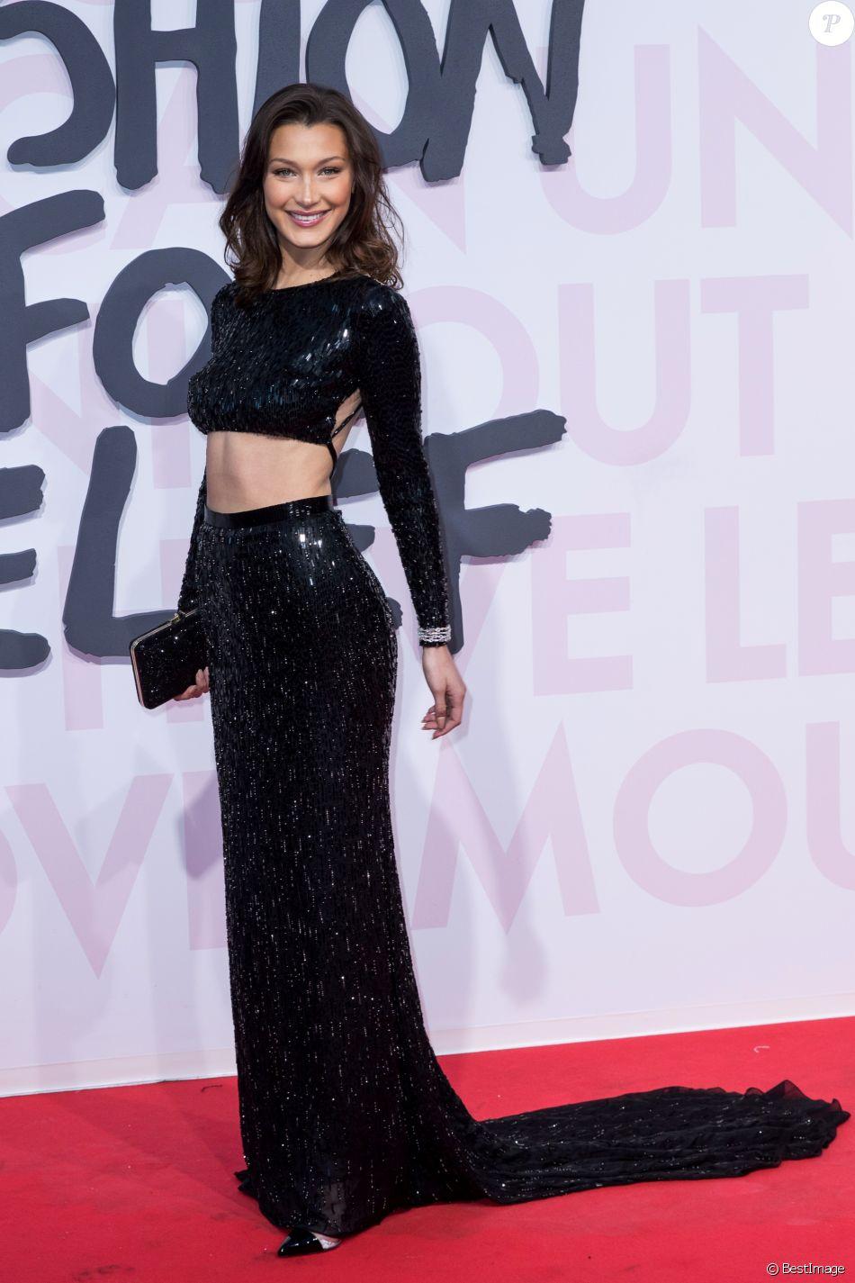 """Bella Hadid lors du photocall du défilé de mode """"Fashion For Relief"""" lors du 71ème Festival International du Film de Cannes. Le 13 mai 2018 © Borde-Jacovides-Moreau/Bestimage"""