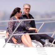 """Pierce Brosnan : Amoureux de sa """"meuf"""" au Festival de Cannes"""