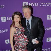 Alec Baldwin papa pour la 5e fois : L'acteur, gaga, pose avec son bébé