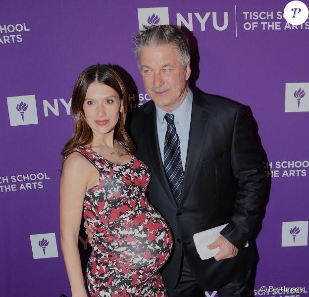 "Alec Baldwin et sa femme Hilaria Baldwin enceinte - People au gala ""2018 NYU Tisch"" à New York, le 16 avril 2018. © Morgan Dessalles/Bestimage"