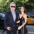 Alec Baldwin et sa femme Hilaria Baldwin arrivant à la première du film ''Blind'' au Landmark Sunshine Cinema Theater à New York, le 26 juin 2017.