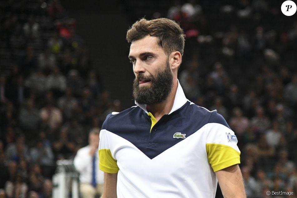 """Benoît Paire contre R. Gasquet au 1er tour du tournoi """"Rolex Paris Masters 2017"""" sur le court central (Simple Hommes) à Paris, le 30 octobre 2017. © Veeren - Perusseau/Bestimage"""