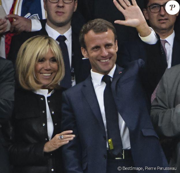 Le Président de la République Emmanuel Macron a été rejoint par sa femme la Première Dame Brigitte Macron (Trogneux) lors de la finale du Top 14 français entre Montpellier et Castres au Stade de France à Paris, le 2 juin 2018. © Pierre Perusseau/Bestimage