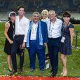 Semi-Exclusif - Jasmine (soeur de Mika), Michael Holbrook Penniman (le père de Mika), Sir Mohammad Jaafar, un ami de la famille (au milieu) avec sa femme (à droite), Fortuné (frère de Mika) et Zuleika (soeur de Mika) - La famille de Mika pose avec Sir Mohammad Jaafar après le concert lors de la finale du Top 14 français entre Montpellier et Castres au Stade de France à Paris, le 2 juin 2018. © Pierre Perusseau/Bestimage