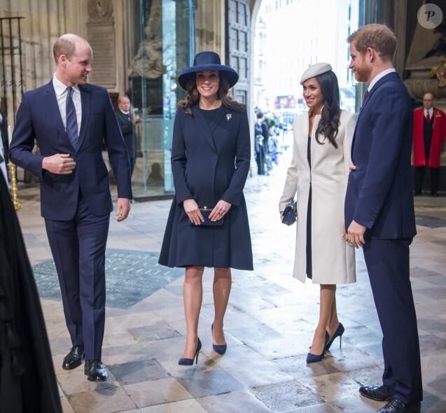 Le prince William, la duchesse Catherine de Cambridge (enceinte du prince Louis), la duchesse Meghan de Sussex (Meghan Markle) et le prince Harry réunis le 12 mars 2018 à Londres lors de la cérémonie du Commonwealth Day en l'abbaye Westminster.