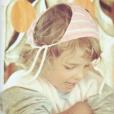 Elodie Gossuin enfant, un cliché dévoilé le 7 juin 2018.