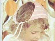 Elodie Gossuin dévoile une photo d'elle enfant : Le sosie de sa fille cadette !