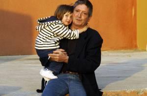 Enlèvement de la petite Elise : ses tendres retrouvailles avec son père ! Sa maman reste en prison pour 40 jours... (réactualisé)