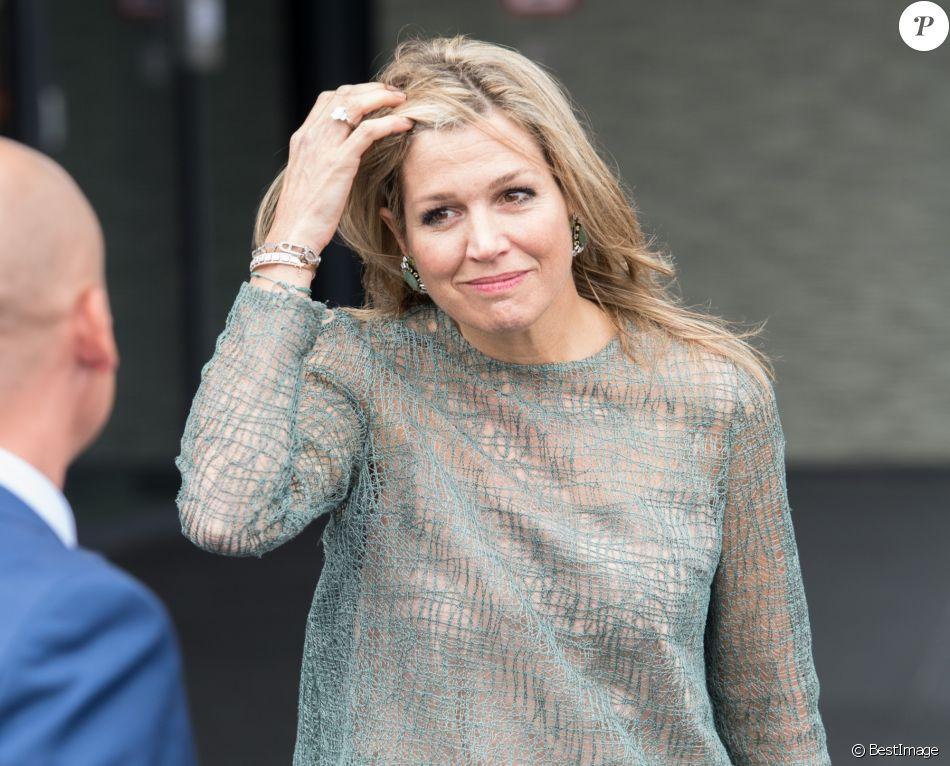 La reine Maxima des Pays-Bas visite le centre de thérapie proton à l'hôpital universitaire de Groningen le 19 juin 2018.