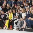 Bella Hadid, Alexandre Arnault, Murakami, Karl Lagerfeld, Helene et Bernard Arnault, Delphine Arnault et Xavier Niel - People au défilé de mode Dior Homme collection Printemps-Eté 2019 à la Garde Républicaine lors de la fashion week à Paris, le 23 juin 2018. © Olivier Borde/Bestimage