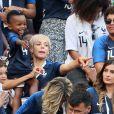 Isabelle Matuidi (femme de Blaise Matuidi) et son fils Eden - Célébrités dans les tribunes lors du match de coupe du monde opposant la France au Danemark au stade Loujniki à Moscou, Russia, le 26 juin 2018. Le match s'est terminé par un match nul 0-0. © Cyril Moreau/Bestimage