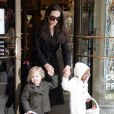 Angelina Jolie et ses deux filles Shiloh et Zahara