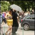Lady GaGa sort de son hôtel afin de se rendre au Grand Palais. 23/04/09