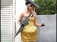 Lady GaGa, à Paris, se balade avec un nouveau look complètement déjanté ! On adore !