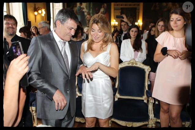 MARIAGE JEAN-MARIE BIGARD ET LOLA MAROIS MAIRIE DU VII EME A PARIS 27/05/2011 - PARIS