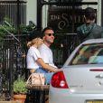 Exclusif - Jennifer Lawrence et son compagnon Cooke Maroney se promènent main dans la main dans les rues de New York le 29 juillet 2018